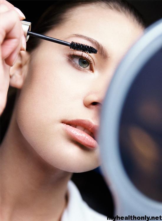 How to Apply Mascara Like a Professional